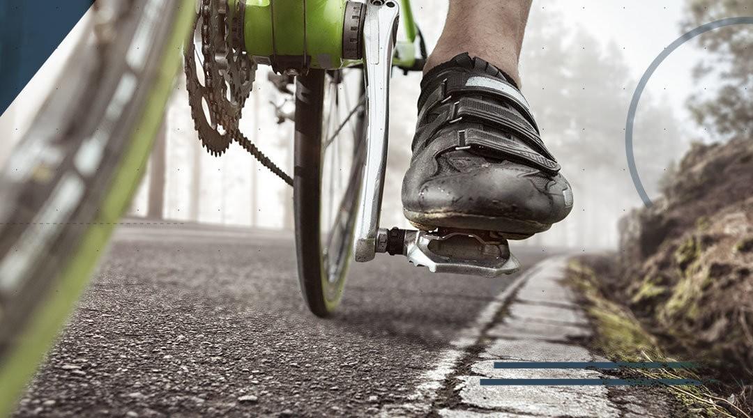 Piede, caviglia e bicicletta: come prevenire la tendinite achillea